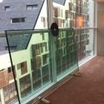 Glas verplaatsen n.b. bovenop de lift